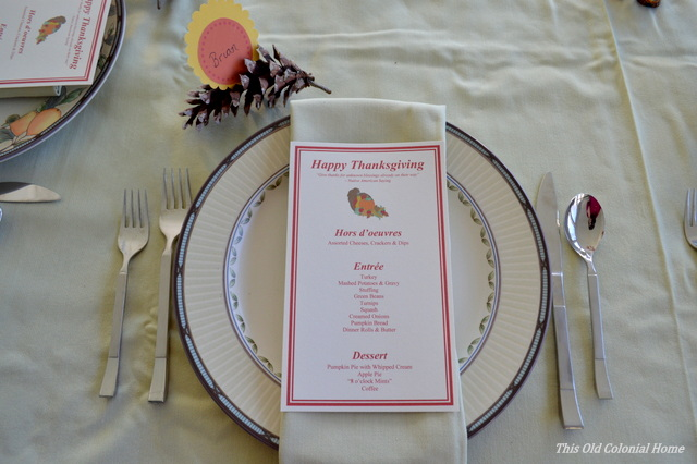 Thanksgiving menu on plate and napkin
