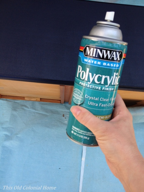 Polycrylic spray can