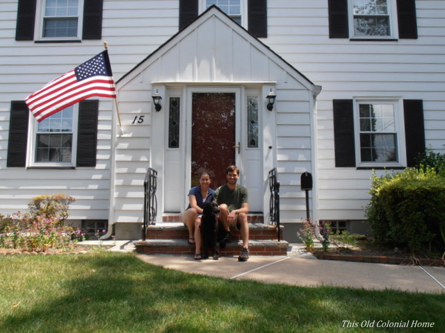 colonial-home-family-photo