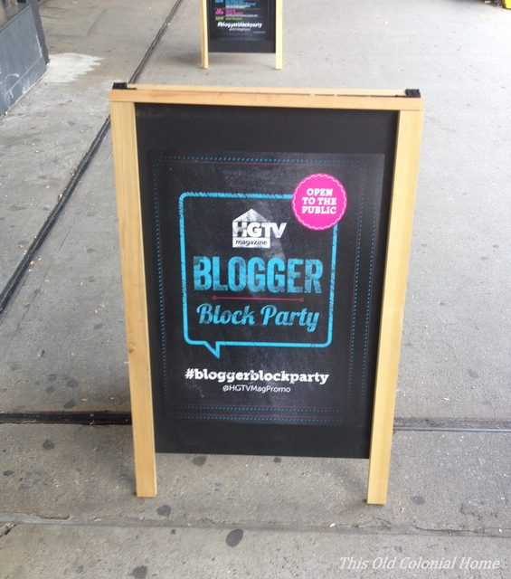 blogger block party welcome sign