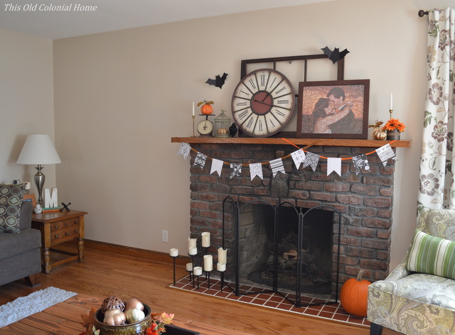 Halloween mantel with banner