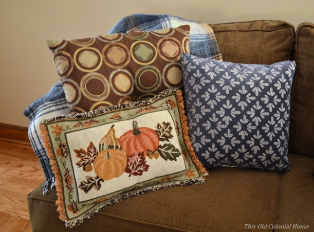 Reversible no sew pillow