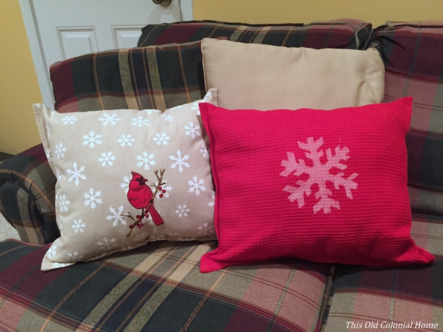 DIY no sew pillows with kitchen towels