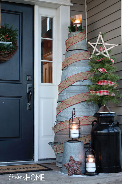 DIY rustic bucket Christmas tree
