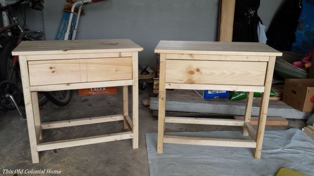 DIY farmhouse nightstands with drawer