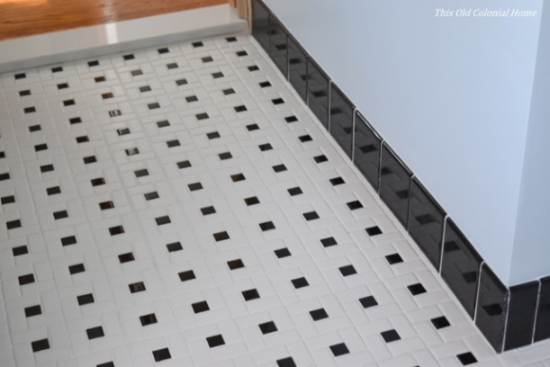 Black bullnose tile trim