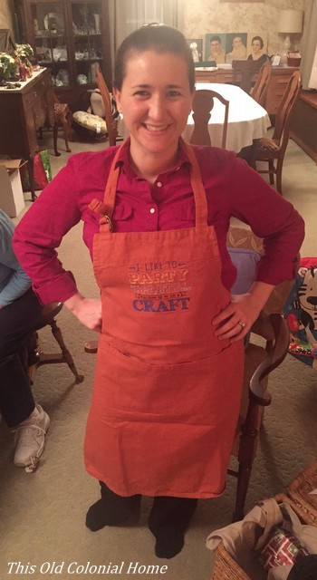 crafting-apron