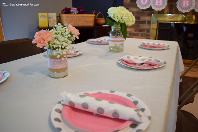 pink gray polka dots table