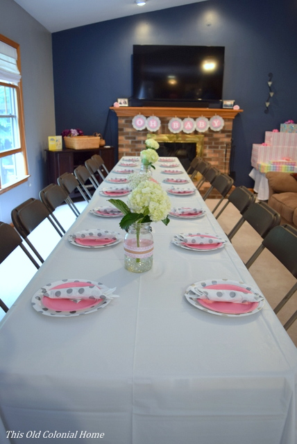 baby shower table setting
